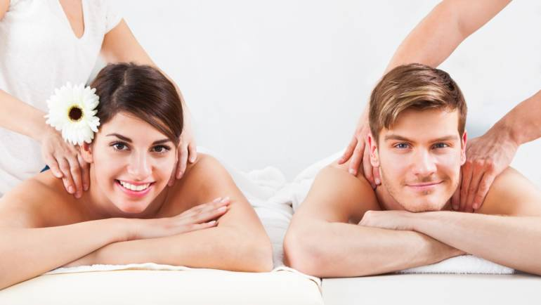 photodune-7729980-couple-receiving-massage-at-spa-m.jpg